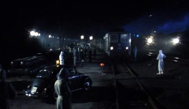E agora o Herbie disfarçado, vai tentar empurrar o comboio até à Enxabarda. Façam as vossas apostas