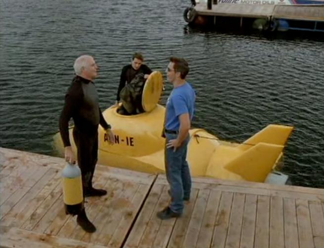 Eh pah este filme e tao alucinante que ate nos poem a andar em submarinos amarelos!
