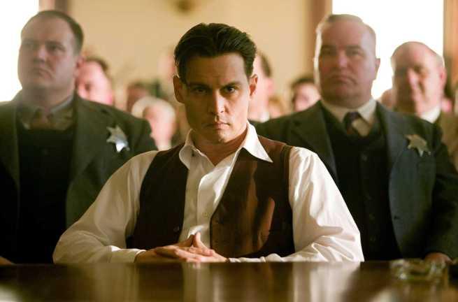 """Sr. Johnny Depp, condeno-o a fazer em seguida """"PacMan - The Movie"""", como cereja ou então a Versão U.S. de Belarmino"""